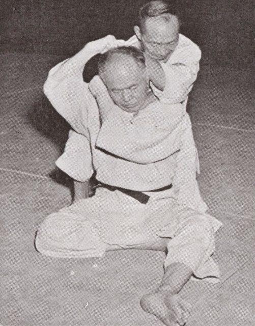 Il Maestro Oda esegue Hadaka Jume
